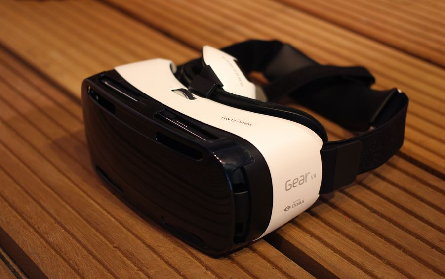Samsung Gear-Virtual Reality (VR)